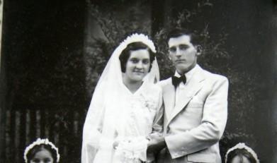 Os noivos Edvino von Borstel e Edith Anna Schmitz - pioneiros de Marechal Cândido Rondon -  cujo casamento aconteceu em 12 de janeiro de 1946, na cidade Piratuba, SC. Imagem: Acervo Edith von Borstel