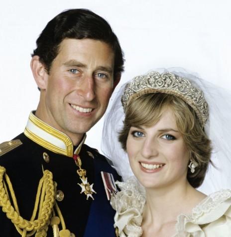 Principe Charles e Diana Spencer, em uma das fotos oficiais de seu casamento.  Imagem: Acervo