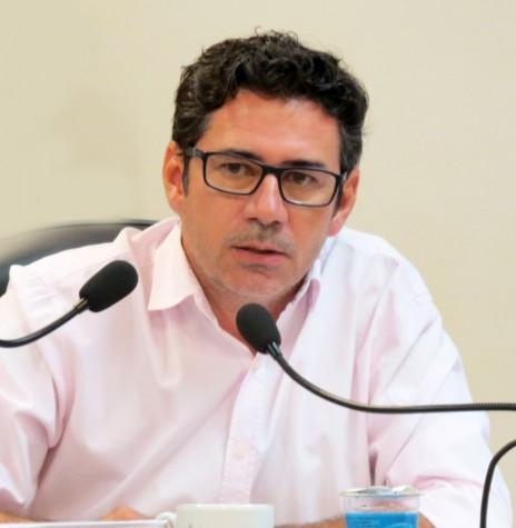 Vereador Cláudio Köehler, autor do projeto de lei que permite a presença de doulas em maternidades e hospitais públicos de Marechal Cândido Rondon.  Imagem: Acervo Imprensa CM-MCR - FOTO 7 -