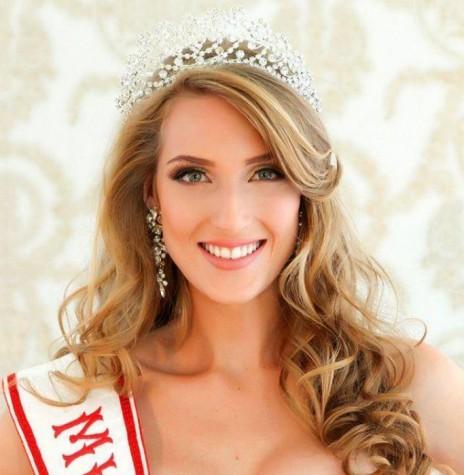 Ketlyn Cristine Woelfer é eleita Miss Mercedes. Imagem: Acervo AquiAgora.net - FOTO 3 -