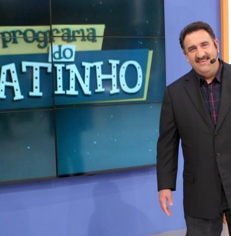 Apresentador Carlos Massa (Ratinho)  no estúdio do SBT, no Programa do Ratinho.  Imagem: Observatório da Televisão - FOTO 10 -