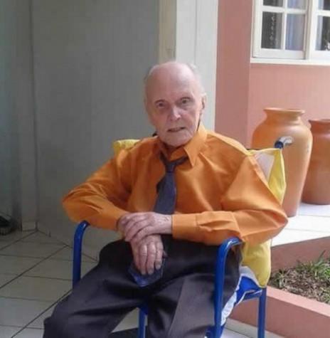 pioneiro Ludwig Römer, que faleceu aos 86 anos, no dia 1º de abril de 2016. Imagem: Acervo Selma Römer Krack - FOTO 6 -