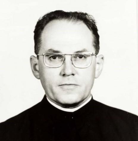Padre Hans Lamprecht SVD, assumiu como  4º vigário da Igreja Matriz Sagrado Coração de Jesus, em 1977.   Imagem: Acervo Miguel Fernandes Reichert - FOTO 7