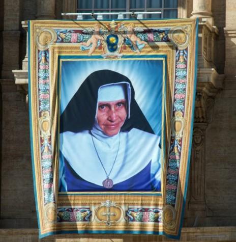 Religiosa baiana  Mara Rita de Souza Brito Lopes Pontes (Irmã Dulce), canonizada com a designação de Santa Dulce dos Pobres, em outubro de 2019. Imagem: Acervo O Globo - FOTO 9 -