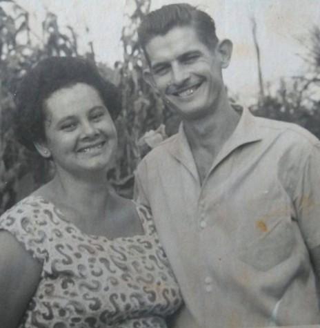 Casal pioneiro Helena e Willibaldo Hoppe que chegou em Porto Mendes, em abril de 1961.  Imagem: Acervo Lore Hoppe - FOTO 5 -