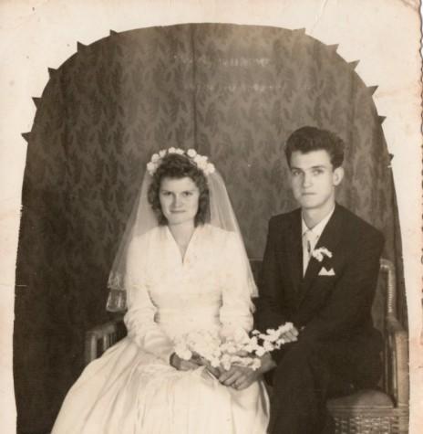 Noivos Maria Becker e Adolfo Oscar Kunzler que casaram em julho de 1962. Imagem: Acervo Claci Maria Becker Kunzler - FOTO 1 -
