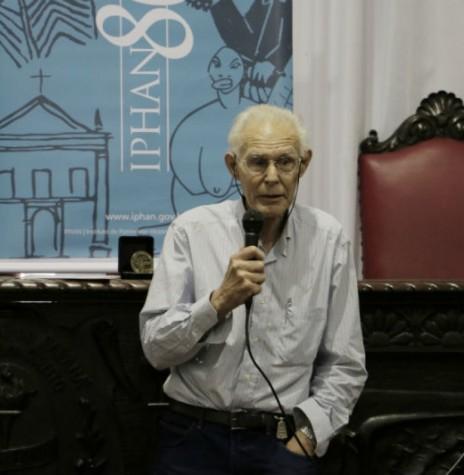 Professor Igor Chmyz que conferenciou em Marechal Cândido Rondon, em começo de setembro de 1989. Imagem: Acervo Iphan - FOTO 2 -