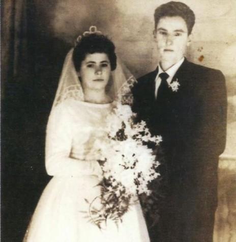 Os noivos Rozalina Cecília Parizotto e Anildo Cemin que se casaram em maio de 1963. Imagens:  Acerco do casal - FOTO 3 -
