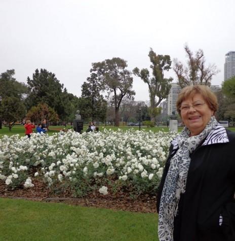 Pioneira rondonense Helga Port  que instalou a floricultura Paraíso das Flores, em Marechal Cândido Rondon, em fevereiro de 1977. Imagem: Acervo pessoal/Facebook - FOTO 2 -