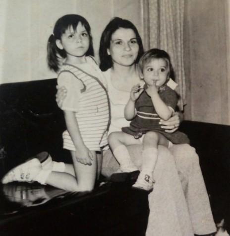 Pioneira Ermella Kehl com as filhas Grace e Graciela.  Imagem: Acervo Graciela Marques Gonsalves - FOTO  6 -