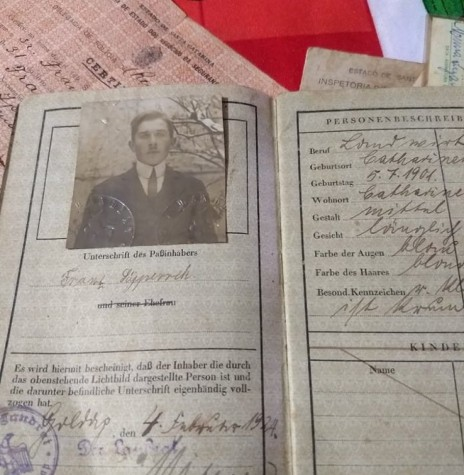 Passaporte d o pioneiro rondonense Franz Syperreck falecido em abril de 1970.  Imagem: Acervo da família - FOTO 6 -