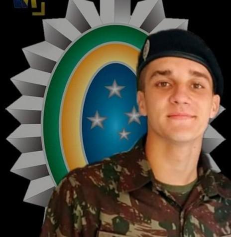 Soldado Daniel Engelmann morto nas águas do Rio Paraná, na cidade de Guaíra, depois que embarcação é atingigo por barco clandestino. Imagem: Acervo O Presente - FOTO 12  -