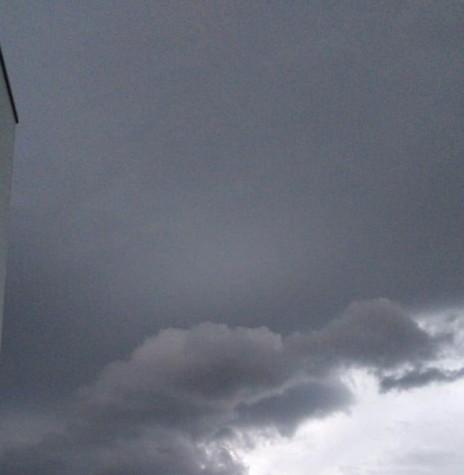 Prenúncio de chuva na cidade de Marechal Cândido Rondon, em 07 de julho de 2020.  Imagem: Acervo Projeto Memória Rondonense - FOTO 10 -