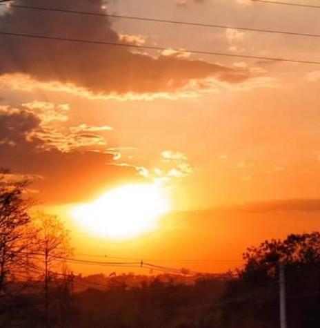 Por do sol na cidade de Marechal Cândido Rondon, no dia 05 de setembrop de 2020. Imagem e crédito: Márcio Cerny - FOTO 7 -