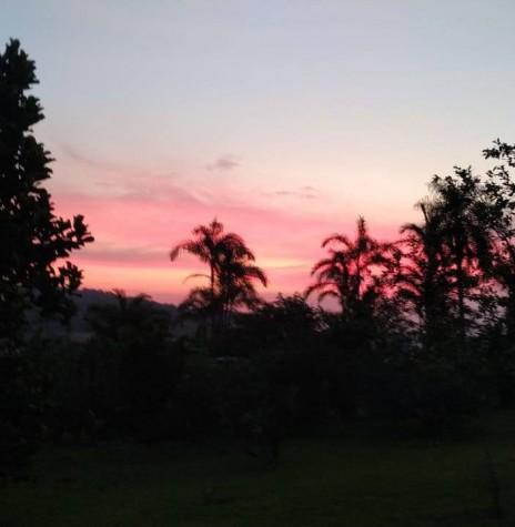Por do sol em Marechal Cândido Rondon, em foto tirada a partir da propriedade do casal Telci Viteck e Hildor Dreier, na Linha Palmital. Imagem: Acervo e crédito: Telci Viteck Dreier - FOTO 10 -