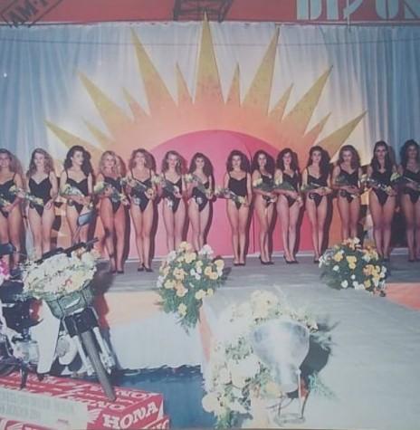 Candidatas ao Miss Marechal Cândido Rondon 1994. Imagem: Acervo Miriam Völz Wegner - FOTO 13 -