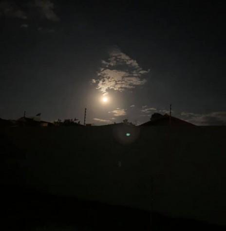 Noite de Lua Azul em foto feita no interior do município de Marechal Cândido Rondon, pelo rondonense Norling Kunkel. Imagem: Acervo pessoal - FOTO 12 -