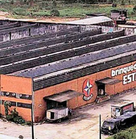 Complexo da Fábrica de Brinquedos Estrela, na Capital Paulista, na década de 1980. Imagem: Acervo São Pauloinfoco - FOTO 5 --