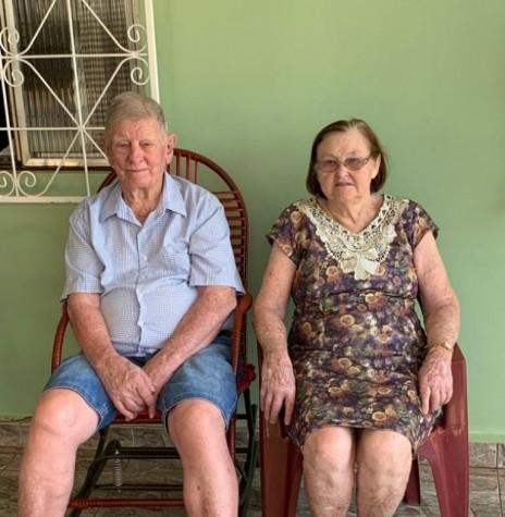Benno Vorpagel e esposa Irma, no dia do 90º aniversário dele,  em 14 de novembro de 2020. Imagem: Acervo Delcio Vorpagel - FOTO 2 -