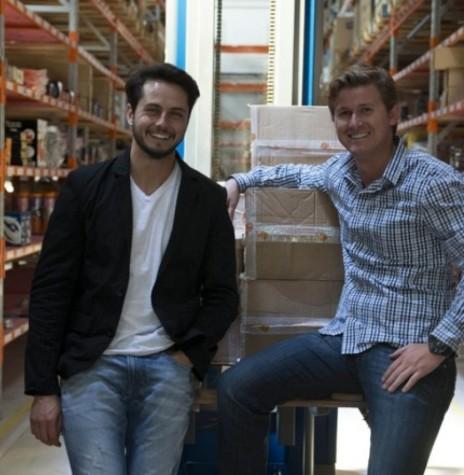 Jovens rondonenses Lucas Vicari Boroske e Jean Franklin Simsen idealizadores da empresa Estrela 10 .  Imagem: Acervo Gazeta do Povo - Crédito: Henry Milléo - FOTO 7 -