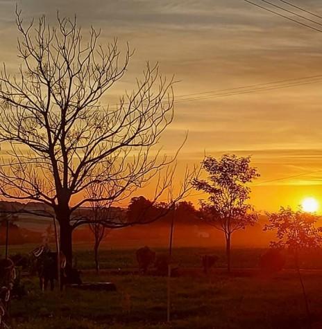 Entardecer em 10 de abril de 2021, em foto tirada desde o distrito toledano de Nova Sarandi. Imagem: Acervo e crédito: Bruno Krebs - FOTO 10 -