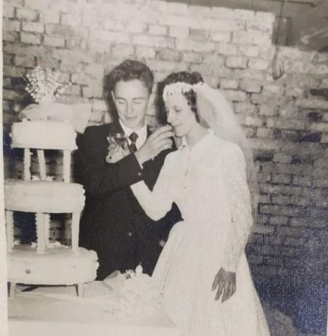 Noivos Syria Jost e Euigênio Roque Anschau que se casaram em maio de 1960. Imagem: Acervo da família - FOTO 1 -