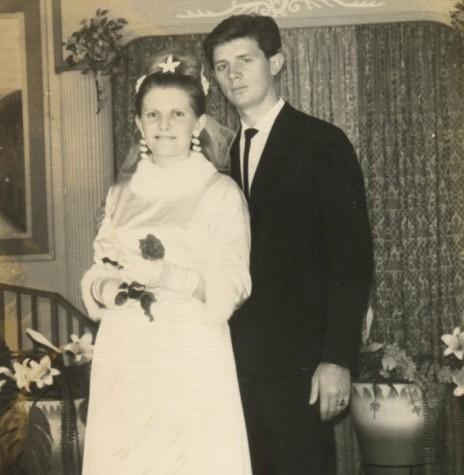 Jovens rondonenses Marina Gosenheimer e Orlando Miguel Sturm que casaram em julho de 1967.  Imagem: Acervo Rafael Orlando Sturm - FOTO 3 -
