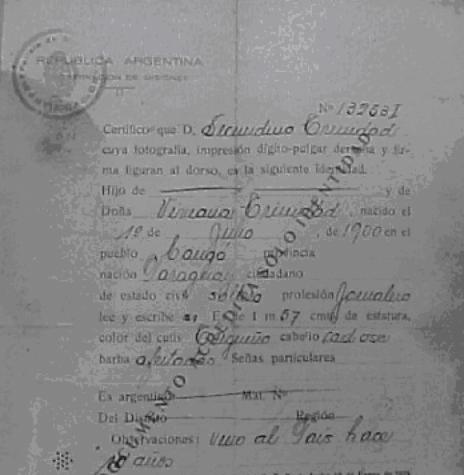Passaporte emitido pelo governo da Argentina em favor de  Secundino  Trinidad.  Imagem: Acervo do professor Tarcisio Vanderlinde - FOTO 6 -