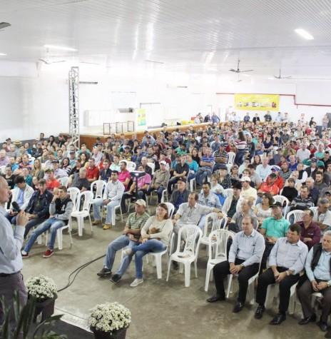 Ricardo Silvio Chapla, diretor-presidente da Copagril, procedendo a abertura do Seminário Anual de Produtores de Suínos 2018.  Imagem: Acervo Imprensa Copagril - Crédito: Carina Walker Ribeiro - FOTO 9 -
