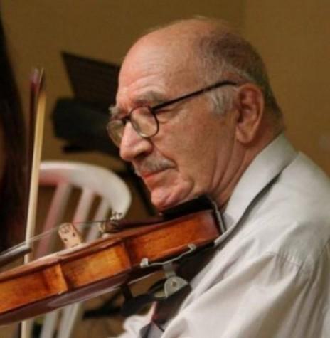 Maestro Jacó Bresciannini com seu inseparável violino. Imagem: Jornal do Oeste - FOTO 8 –