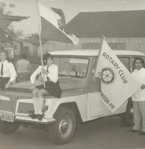 Dr. Miguel Patiño Cruzatti, primeiro presidente do Rotary Clube, participando das comemorações do Sesquicentenário da Independência, em 1972, na sede municipal de Marechal Cândido Rondon.  Imagem: Acervo Valdir Sackser