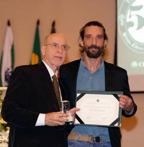 Dr. Ítalo Fernando Fumagali com o filho Rafael fotografado com o