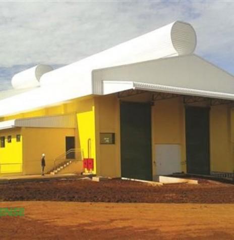 Unidade industrial Astrea/Copagril junto a Unidade de Abate de Aves da Copagril, em Marechal Rondon.  Imagem: Imprensa Copagril - FOTO 5 -