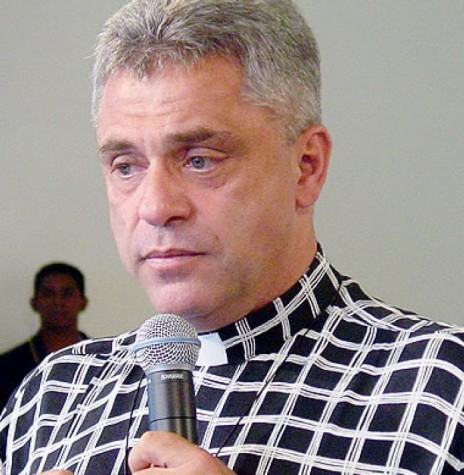 Padre Léo SCJ falecido no começo de janeiro de 2017, com largo grupo de aficionados no Oeste do  Paraná, por causa de suas pregações.  Imagem: Acervo CadaMinutuo - FOTO 5 -