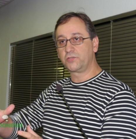 O comunicador João Marcos Gomes, que retornou ao quadro de funcionários da Rádio Difusora do Paraná, em 15 de maio de 1986. Imagem: Acervo O Presente - FOTO 6 -