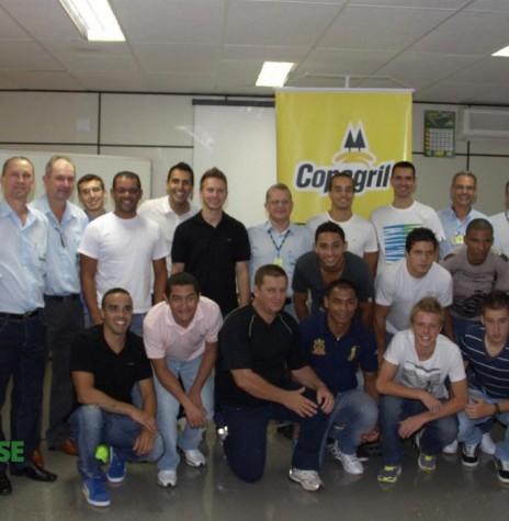 Diretoria, comissão técnica e atletas da equipe Copagril de Futsal 2013. Imagem: Acervo Imprensa Copagril - FOTO  3-