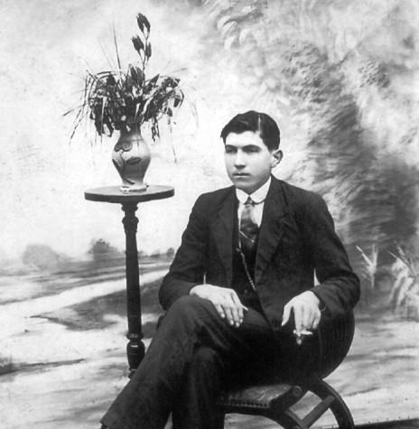 Jovem Attilio Francisco Xavier Fontana, futuro fundador do grupo Sadia.  Imagem: Acervo Memorial Attilio Fontana - FOTO 1 -