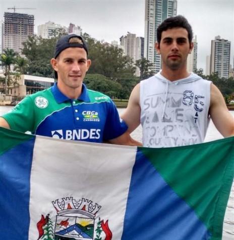 Os canoístas Fabionei Rauber e Diego Vianna que competiram em dupla no campeonato de canoagem, em Londrina.  Imagem: Acervo O Presente Digital - FOTO 5 -