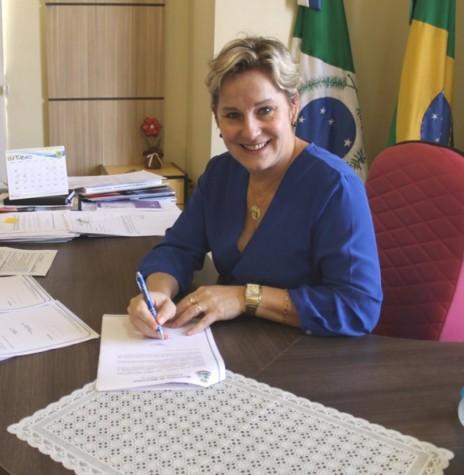 Cleci Rambo Loffi, prefeita do município de Mercedes, eleita presidente do Conselho de Desenvolvimento dos Municípios Lindeiros ao Lago de Itaipu, em final de janeiro de 2017.  Imagem: Acervo Portal Rondon - FOTO 7 -