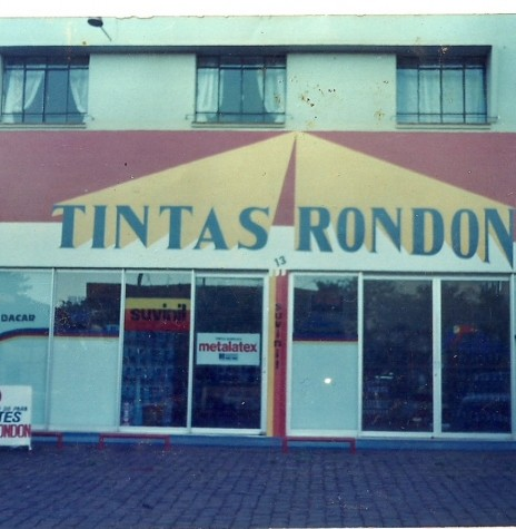 A segunda se da empresa Tintas Rondon, à Avenida Maripá.  Imagem: Acervo Tintas Rondon - FOTO 5 -