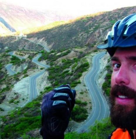 Ciclista Nelson Gomes de Souza Neto em seu périplo pelo mundo.  Imagem: Acervo O Presente - FOTO  9 -