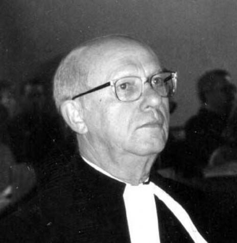 Pastor Heinz Ehlert que oficiou o cultivo festivo de inauguração da Igreja Evangélica de Nova Santa Rosa.  Imagem: Acervo IECLB - FOTO 3 -