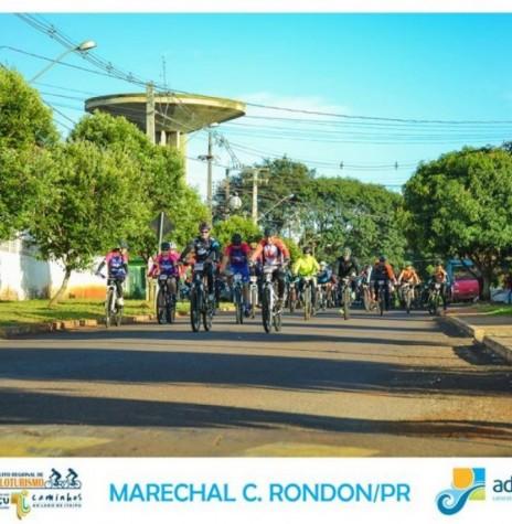 Ciclistas participantes da 7ª etapa do 5º Circuito Regional de Cicloturismo.  Imagem: Acervo Adetur - Cataratas e Caminhos - Crédito: Clóvis Froelich - FOTO 14 -