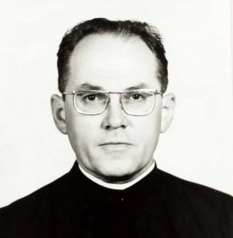Padre Hans Lamprecht ordenado em 26 de agosto de  1951.   Foi vigário da Matriz Católica Sagrado Coração de Jesus, de Marechal Cândido Rondon, de 1977 a 1981.  Imagem: Acervo Miguel Fernandes Reichert - FOTO 1 -