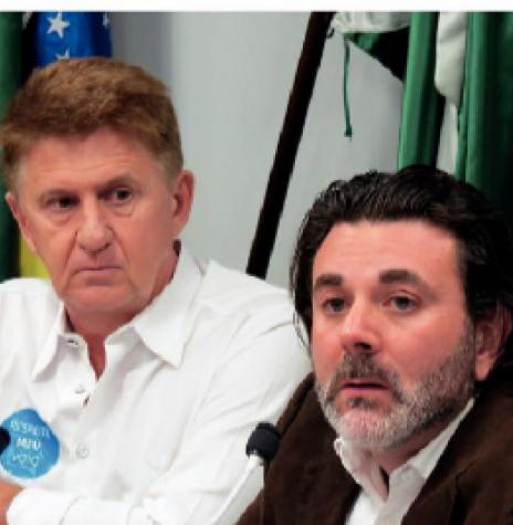 Vereador Nilson Hachmann (e) e seu defensor advogado Márcio Berti.  Imagem: Acervo O Presente - Crédito: Cristiano Marlon Viteck - FOTO 9 --