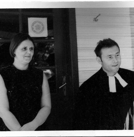 Pastor Joachim Pawelke e esposa, ele foi o primeiro pastor da Comunidade Martin Luther, de Marechal Cândido Rondon.  Imagem: Acervo Brunhilda Thessing.
