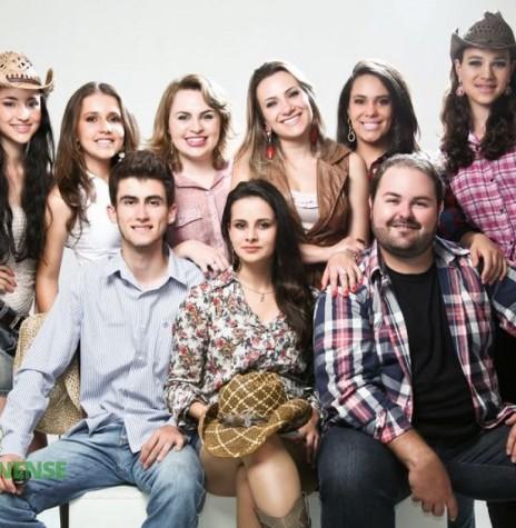 Grupo de Viola Caipira de Toledo que fez o show de abertura do Dia de Campo Copagril 2013.  Imagem; Acervo Imprensa Copagril - FOTO 6 -