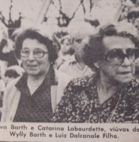 Presenças na solenidade de inauguração da praça pública de Pato Bragado.  Imagem: Acervo O Estado do Paraná - FOTO 4 -