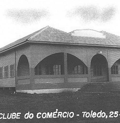 Clube do Comércio de Toledo,  recém construído.  Imagem: Acervo Famílias Nied e Seyboth