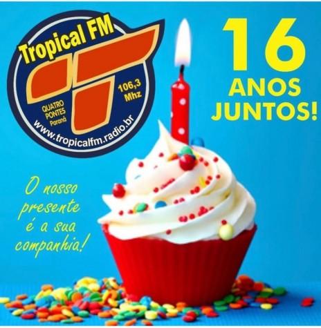 Dístico comemorativo ao 16º aniversário do município de Quatro Pontes.  Imagem: Acervo de Afonso Francener - FOTO 21 -